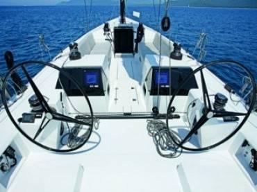 Яхта Vismara b2 62 — карбоновая, круизно-гоночная